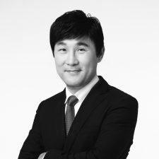 Dr Ahn Gun Young